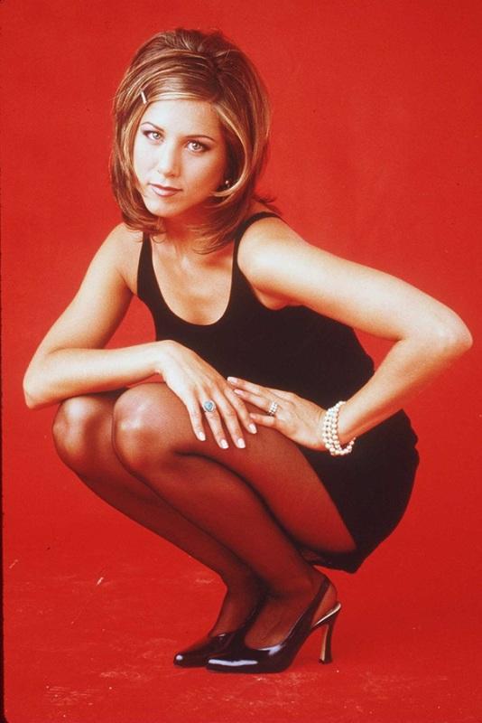 La molletta glitter nel taglio shag, cult negli anni '90, di Jennifer Aniston.