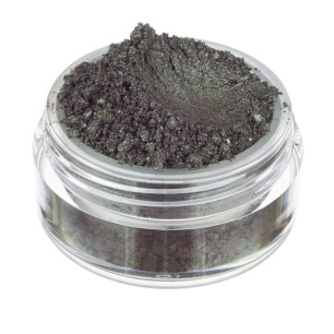 NeveCosmetics-SistersOfPearl-Collection-Oyster-eyeshadow